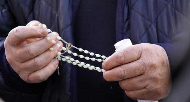 prete_rosario