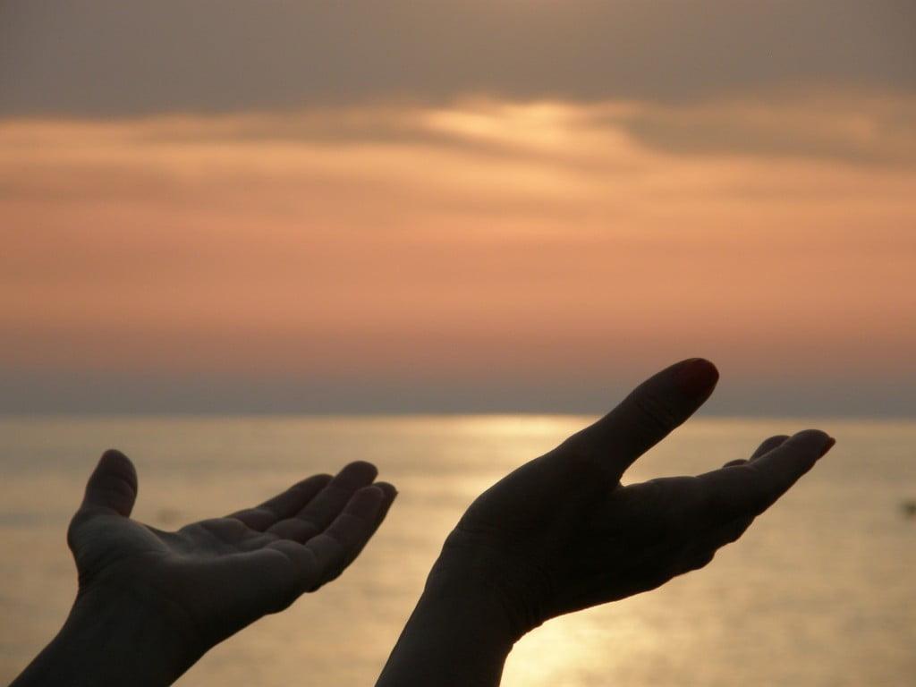 mani in preghiera